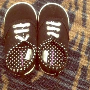 Size 6 toddler slip on sneakers